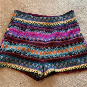 Colorful knitted shorts